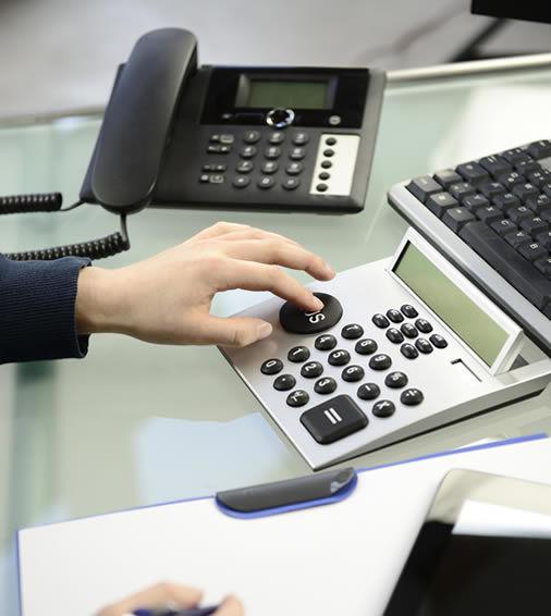 Wie finanzieren Unternehmen und Behörden ihre PBX-Telefonanlagen?